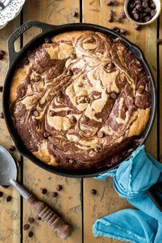 This decadent deep dish skillet brownie cookie is always a crowd pleaser! Made with from-scratch cookie dough and brownie batter and peppered with ple. Skillet Brownie, Skillet Cookie, Brownie Cookies, Brownie Batter, Pan Cookies, Deep Dish, Delicious Desserts, Dessert Recipes, Yummy Treats
