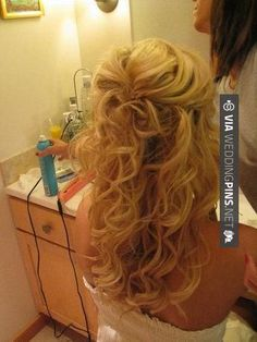 Half up hair. Can I do my hair like this? This is what I want my hair to look like! Wedding Hair And Makeup, Bridal Hair, Hair Wedding, Dream Wedding, Perfect Wedding, Wedding Stuff, Wedding Pins, Wedding Album, Hair Dos
