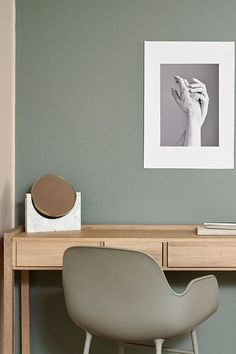 Salon - paleta Hazy, kolekcja kolorów Tikkurila Color Now 2017 Home Office Design, Home Office Decor, House Design, Home Decor, Office Ideas, Office Wall Colors, Pastel Interior, Green Rooms, Paint Colors For Home
