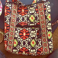 Vera Bradley crossbody bag Cute with lots of room! Vera Bradley Bags Crossbody Bags