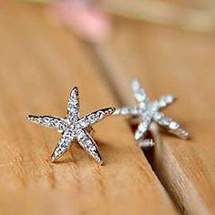 Pair of Exquisite Cute Style Five-Point Star Shape Rhinestoned Stud Earrings For Women, COLOR ASSORTED in Earrings | DressLily.com
