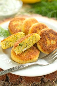 pl wp-content uploads 2017 07 Kotlety-z-cukinii. Hamburger, Vegetarian Recipes, French Toast, Grilling, Food And Drink, Bread, Breakfast, Pierogi, Content