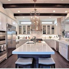Now that's the kinda luxe kitchen I want to come home too! #thestyleluxe