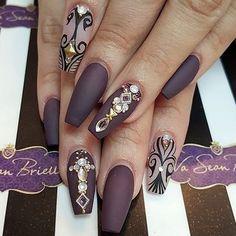https://www.instagram.com/lisalalinda/?hl=en VSB nail boutique