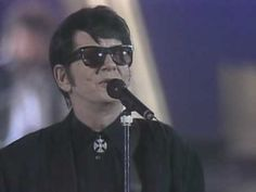 Roy Orbison - Oh, Pretty Woman (+playlist)  yeah you!  ;-)