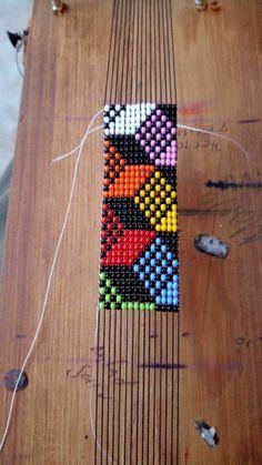 Bead Loom Bracelets, Woven Bracelets, Bead Loom Patterns, Jewelry Patterns, Easy Stitch, Jewelry Model, Beading Projects, Bracelet Tutorial, Loom Beading