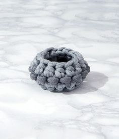 hand made cuff realized with sailing rope and recycled jersey composition: nylon rope and jersey hand washable Create And Craft, Fabric Jewelry, Love To Shop, Contemporary Jewellery, Diy, Sailing Rope, Crafts, Handmade, Crochet Jewellery