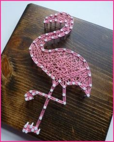 DIY Pink Flamingo Home And Yard Decor - Just Pink About It - Pink Flamingo DIY home and yard decor ideas and inspiration. Cheer up your home with Pink Flamingo decor with these fun DIY flamingo projects. Find inspiration for fun flamingo decor. Flamingo Party, Flamingo Decor, Flamingo Gifts, Pink Flamingos, Pink Flamingo Craft, Flamingo Birthday, Diy Bathroom Decor, Boho Bathroom, Modern Bathroom