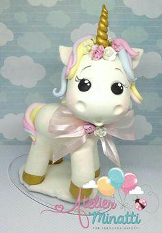 1st Birthday Girls, Unicorn Birthday Parties, Unicorn Party, Fondant Toppers, Fondant Cakes, Cupcake Toppers, Box Surprise, Unicorn Cake Topper, Unicorn Cakes