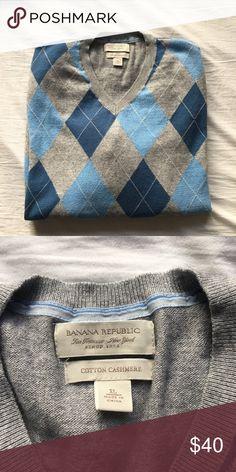 1x HP🎊 Banana Republic Sweater Banana Republic cashmere sweater. Good condition! Banana Republic Sweaters V-Neck
