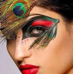 kikipoucagrana.com: Makes de carnaval Queridas folionas!!!!!  Chegou a época do ano que vale tudo em matéria de maquiagem!!!!! Brilho, cores, exageros... Tudo pode no make carnavalesco! Abuse do glitter no rosto e no corpo! Use  o esmalte mais espalhafatoso e não deixe de ostentar aqueles cílios poderosos, afinal... Não me leve a mal, hoje é carnaval!!!!!