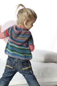 Wickeljacke aus Mille Colori Baby von @langyarns zum Nachstricken, kostenlose Anleitung