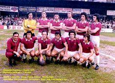 C. D. ENSIDESA - Avilés, Asturias, España - Temporada 1974-75 - Lombardía, Vallina, Quirós, Esteban, Atucha y Raya; Villa (masajista), Sancayetano, Novo, Teca, Luis Gabriel y Javi - BARACALDO 1 (Arechalde) ENSIDESA 2 (Oteca y Raya) - 07/06/1975 - Promoción de ascenso a 2ª, partido de ida - Baracaldo, Vizcaya, Campo de Lasesarre - El Ensidesa ganó luego también en la vuelta 3-1 y ascendió a 2ª División, condenando al Baracaldo al descenso de categoría. Image Foot, Football Team, Wrestling, 1975, World, Team Building, Soccer Pictures, Football Pictures, Lucha Libre