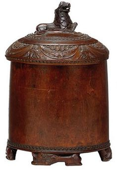 Wood tankard, 1.5L, burl, Norwegian, middle 18th century, footed ...