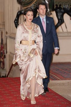 PRINCESS IN CHAMPAIN CAFTAN.