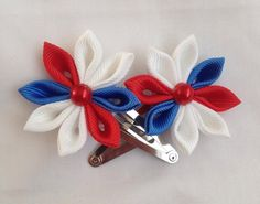 kanzashi flower hair clips red white and blue by KanzashiRose Diy Hair Bows, Diy Bow, Flower Hair Clips, Flowers In Hair, Holiday Hair Bows, Cloth Flowers, Kanzashi Flowers, Glitter Hair, Etsy Uk