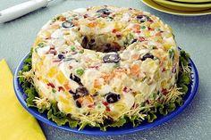 Prepare para o almoço de domingo essa receita de maionese enformada colorida! Refrescante e saborosa, vai surpreender a todos!