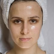 Baking Soda & Skin Care. Use 2 parts water and 1 part baking soda to create a mask exfoliate for your face. Adjust to desired thickness and consistency.