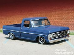 1304clt 08 O+1968 Ford F 100+front Right View