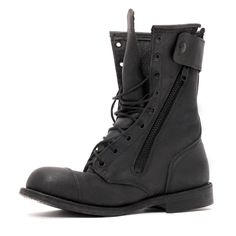 Carbon Combat Boots in love Mens Military Boots, Military Fashion, Men Boots, Me Too Shoes, Men's Shoes, Shoe Boots, Shoes Men, Dark Fashion, Mens Fashion