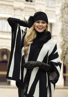 Ladies in Leather Gloves Cute Fashion, Fashion Looks, Womens Fashion, Fall Fashion Trends, Winter Fashion, Moda Formal, Gloves Fashion, Funky Outfits, Sexy Outfits