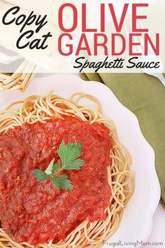 Want to head out to Olive Garden but your wallet is a bit light?  Take a little time to  make up this awesome Copycat Olive Garden Spaghetti Sauce. You can use it on regular or gluten free pasta, make lasagna or any other Italian dish with red sauce that you love!