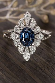 24 Sophisticated Vintage Engagement To Prove Your Love ❤ Vintage engagement rings are perfect for stylish brides who want something truly unique and classy. We chose the best vintage engagement rings by popular jewelers. Small Engagement Rings, Engagement Ring Guide, Diamond Engagement Rings, Wedding Rings Vintage, Vintage Rings, Vintage Sapphire Rings, Ring Ring, White Gold Rings, Unique Rings