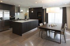 オーダーキッチン/オープンキッチン/二列型/木目/ビルトイン機器/収納