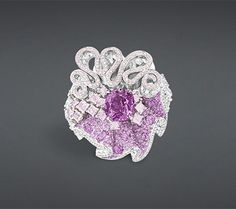 Discover Christian Dior fashion, fragrances and accessories for Women and Men High Jewelry, Luxury Jewelry, Jewellery, Dior Ring, Saphir Rose, Dior Fashion, Jewelry Collection, Heart Ring, Schmuck