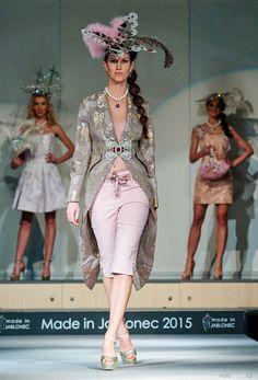 #fashionshow #fashion #jewellery #jewelery #sperky #moda #swarovski #madeinjablonec #czech www.fabos.cz www.efabos.cz www.fabolous.cz Módní přehlídka Made in Jablonec 2015. Capri Pants, Swarovski, How To Make, Fashion, Capri Trousers, Moda, La Mode, Fasion, Fashion Models