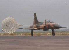 Mexican Air Force 401 Squadron, Parachute Brake