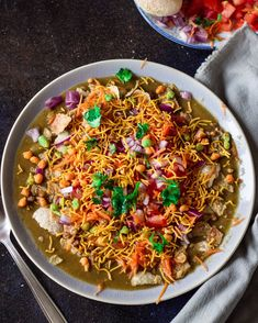 Masala Puri chaat is one of the popular chaat dishes in Bangalore-Mysore regions. Here is a detailed authentic recipe to easily make masala puri at home. Puri Recipes, Indian Food Recipes, Vegetarian Recipes, Ethnic Recipes, Indian Foods, Cake Recipes, Masala Puri, Dried Chillies, Chaat Recipe