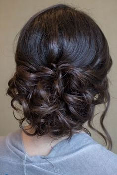 curly updo You are in the right place about junior bridesmaid hair and makeup Here we offer you the Dance Hairstyles, Homecoming Hairstyles, Party Hairstyles, Wedding Hairstyles, Bridesmaids Hairstyles, Teenage Hairstyles, Hairstyle Ideas, Bridesmaid Hair Curly, Sweet Hairstyles