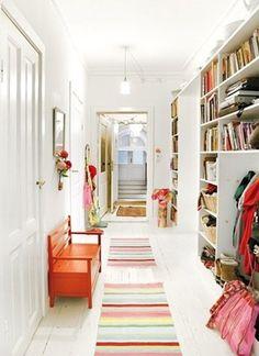 Scandinavian home, bright hallway (Cool inspiration for the basement) Halls, Home Decoracion, Scandinavian Home, Home And Deco, Design Case, Home Fashion, Interiores Design, My Dream Home, Sweet Home