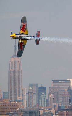 Red Bull Airplane - New York City. The coolest air race I have ever seen up close. Event Logistics, Propeller Plane, Aerial Acrobatics, Red Bull Racing, Civil Aviation, Jet Plane, Air Show, Extreme Sports, Prince