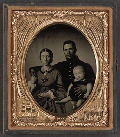 Family portrait of Union soldier.