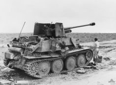 Abandoned German Marder III tank destroyer in North Africa, 9 Feb photo 2 of 2 Les Satellites, North African Campaign, Afrika Korps, Panzer Iv, Soviet Army, Tank Destroyer, Ww2 Tanks, World Of Tanks, Military Equipment
