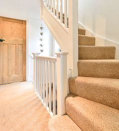 Dorothy Simmons presents us exceptional visuals of Exceptional Attic Staircase Loft Conversion Stairs Ideas on Wisatakuliner. Loft Staircase, Attic Stairs, Modern Staircase, Staircase Design, Staircase Ideas, Carpet Staircase, Bannister Ideas, Banister Rails, White Staircase