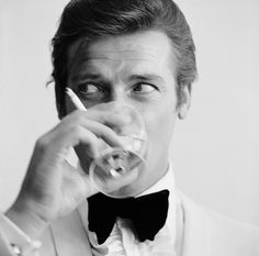 007 James Bond Roger Moore Shaken, not Stirred Stretched Art Canvas  All canvases are stretched ready to hang Except the (40 x 40 Supersize canvases which are rolled in a tube not stretched so easier for shipping.) It will come with stretcher bars to either stretch yourself or get your local framer to stretch.  The Canvas is supplied hand stretched and around 20mm ( 7/8 inch) thick pine stretcher bars and ready to hang.   Unlike many online canvas sellers we are based in the UK and only ...