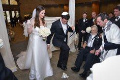 Jewish Wedding Breaking Gl Fl Synagogue A Magic Moment Photography Mazelmoments