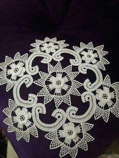 Crochet Doily Patterns, Crochet Doilies, Crochet Flowers, Filet Crochet, Irish Crochet, Bruges Lace, Crochet Carpet, Cross Stitch Rose, Crochet Tablecloth