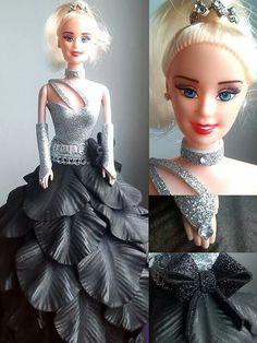 Resultado de imagen para muñecas barbie vestidas con goma eva