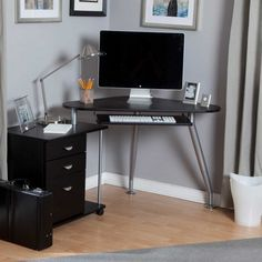 L Shaped Computer Desk For Home Office - Office desks would be the most important part of any office. Black Corner Computer Desk, Modern Corner Desk, Small Corner Desk, Computer Desk Design, Computer Desks For Home, Desks For Small Spaces, Small Computer, Corner Table, Modern Desk