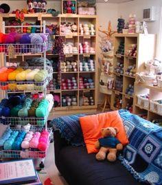 The Crochet Chain (UK): www.thecrochetchain.co.uk (Delivery 12.50€) *Adriafil, Anchor, Araucania, Artesano, Austermann, Bergere de France, Colinette, Debbie Bliss, DMC, Drops, Fyberspates, Hayfield, Highbury, J.C. Brett, Jarol, Louisa Harding, King Cole, Natural Dye Studio, Noro, Patons, Puppets Eldorado, Rico, Rooster, Rowan, SMC, Sirdar, Sublime, Texere, Woolcraft