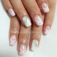Beautiful Nail Art Indulgence Loi's Studio; Singapore home based nail art manicure salon studio.