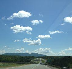 Le mont Orford depuis l'autoroute 10