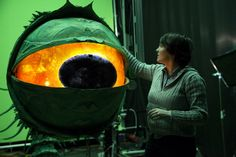 Go Behind the scenes of the new Laika Studios Kubo and the Two Strings, mixing technology & Stop Motion. Kubo lives a quiet, normal life in a small Animation Stop Motion, Clay Animation, Animation Studios, Mary And Max, Principles Of Animation, Laika Studios, Kubo And The Two Strings, Steampunk Weapons, Japanese Folklore
