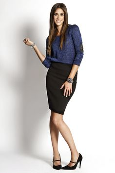 Punto + Falda lápiz:  - Jersey GLAMOROUS - Falda ADA GATTI - Zapatos AGAIN&AGAIN Todo disponible en El Armario de la Tele.