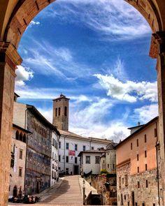 UMBRIA - l arte è un'amante gelosa che vuole tutto non ti consente altri amori ti divora #spoleto #umbria #festivaldeiduemondi #festival #artistic #igersumbria #visitumbria #architecture #bestoftheday #landscape_captures #bestoftheday #picoftheday #beautiful #amazing #ever #tourism #travelpics #italyphoto #igitaly #f4f #discoverumbria #nofilter #galaxys3 #exclusive_shots - via http://ift.tt/1VDODst e #traveloffers #holiday