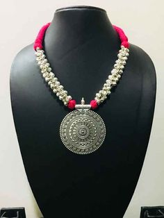 Fashion Necklace with earring and thread pink bead Thread Jewellery, Fabric Jewelry, Beaded Jewelry, Textile Jewelry, Diy Jewellery, Silver Jewellery Indian, Indian Wedding Jewelry, Silver Jewelry, Silver Ring